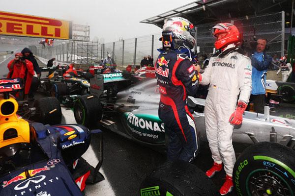 Michael Schumacher gratulál Vettel harmadik világbajnoki címéhez