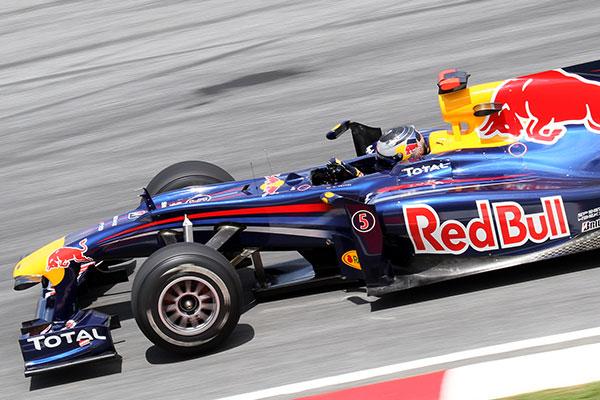 Vettel és az RB5 2010-ben